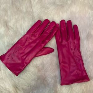 💕 Magenta faux leather gloves 💕